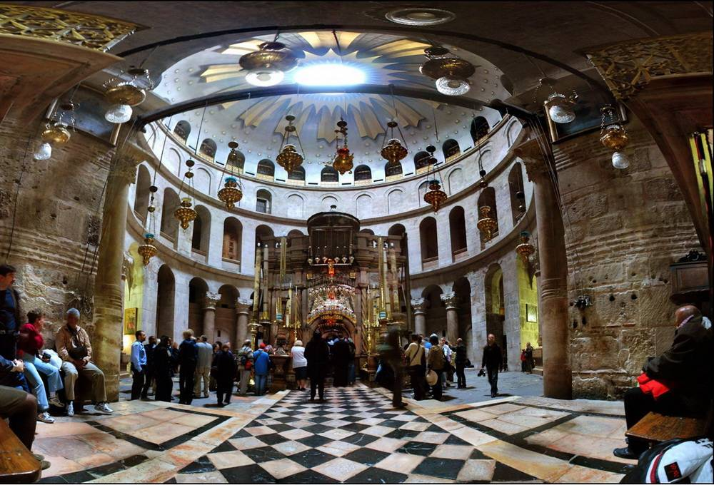 Click to enlarge image 1_Church_of_Holy_Sepulcher_inside.jpg